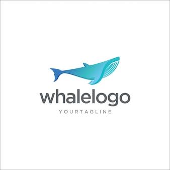 Современный горбатый кит с логотипом