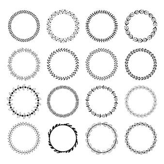 Круглые листовые рамки. цветочные листья круглая рамка, цветочный орнамент круги и цветы обведены границы, изолированных набор