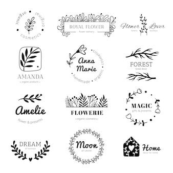 花飾りのロゴ。月桂樹の葉の花輪フレーム、落書き花葉ラベルとビンテージ花飾りバッジ分離セット