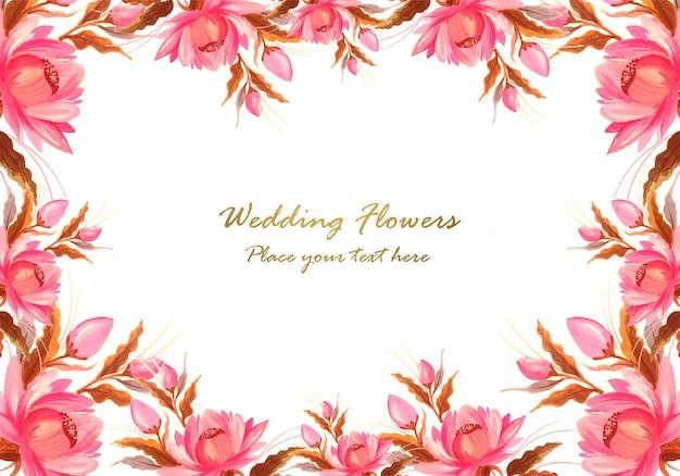装飾的な花の組成の背景で作られたフレーム