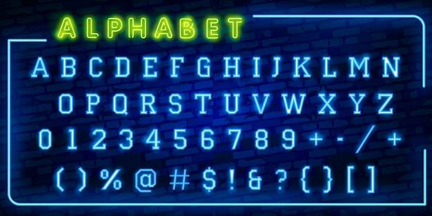Яркие неоновые буквы алфавита