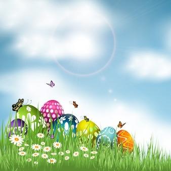 Пасхальные яйца в траве