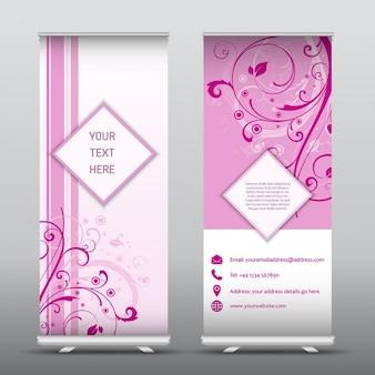 結婚式のイベントのための花柄の理想と広告バナーをロールアップ