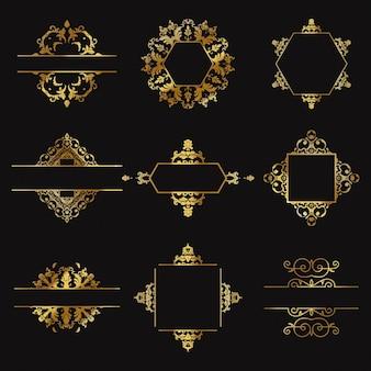 黒の背景にナイン金の装飾品
