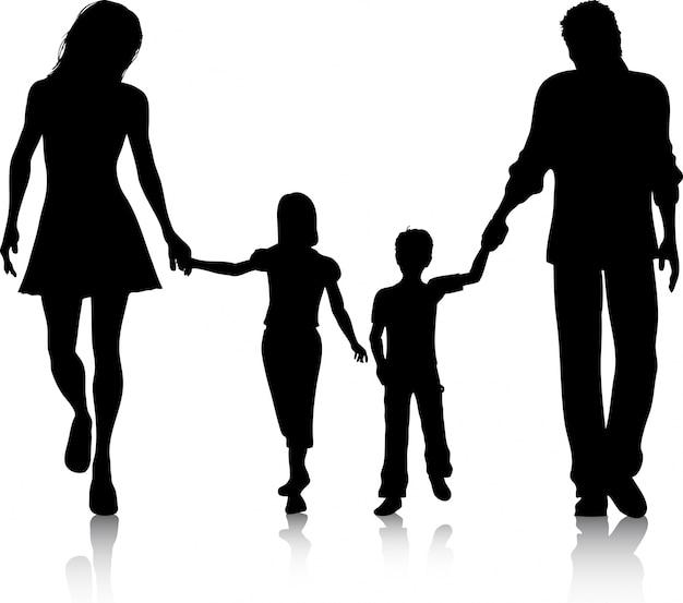 手を伸ばして歩く家族のシルエット