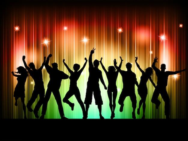 人々が踊る