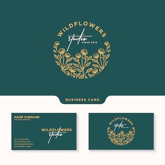 フェミニンな花のロゴ、ワイルドフラワースタジオロゴタイプ、名刺テンプレート