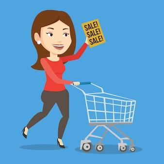 Женщина работает в спешке в магазин на продажу.