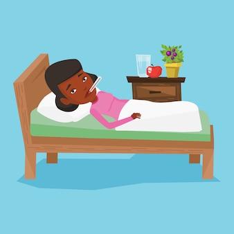 Больную женщину с термометром, лежа в постели.