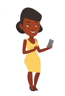 携帯電話を保持している若い笑顔の女性。