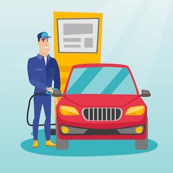 Рабочий заправляет топливо в машину на заправке
