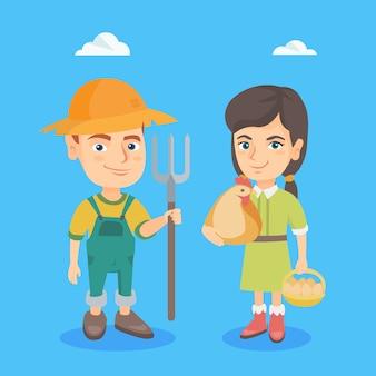 Кавказский мальчик и девочка с курицей и граблями.