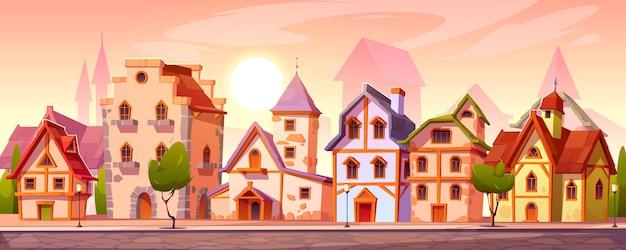 古いヨーロッパの建物がある中世の町の通り