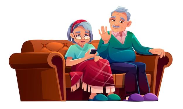 年配の男性と女性が携帯電話で話していると、特別養護老人ホームのソファに座っています。格子縞と高齢者の灰色の髪の年金受給者に包まれた老婦人は、チャット、漫画イラストのスマートフォンを使用してソファでリラックスします。