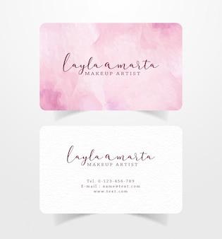 ピンクのブラシストロークの水彩画テンプレート付きの名刺