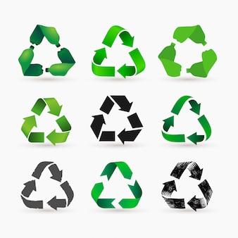 緑のペットボトルのセットは、メビウスループまたは矢印の付いたリサイクルシンボルを形成します。エコアイコンペット使用概念。