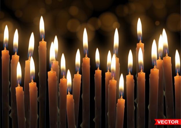 Реалистичные горящие восковые свечи с пламенем