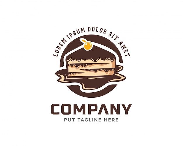 Креативный шоколадный торт с вишневым логотипом