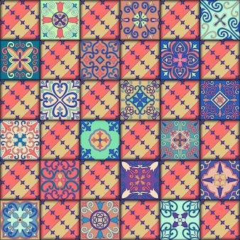 タラベラスタイルのポルトガルのタイルでシームレスなパターン