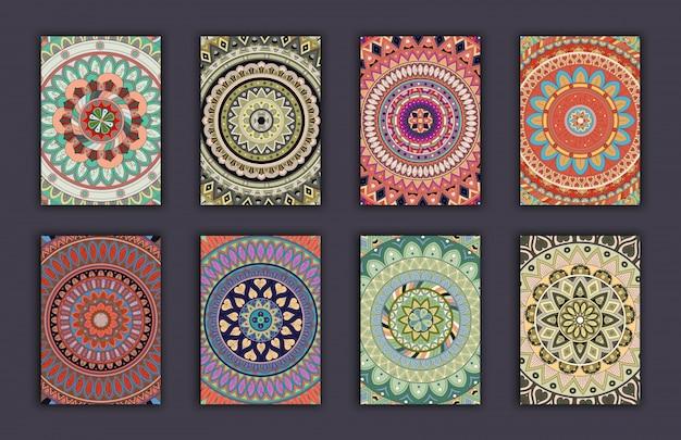 コレクションレトロカード。民族の背景。招待状のカード。