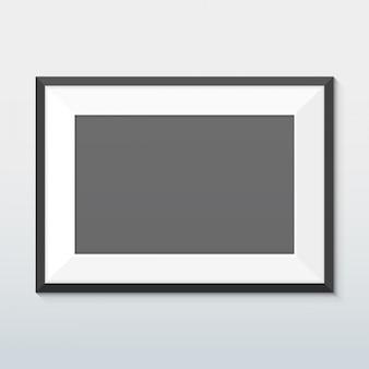 Горизонтальный макет в черной рамке