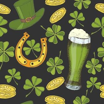 Старинный фон для дня святого патрика. шляпа святого патрика, подкова, четырехлистный клевер, зеленое пиво и золотые монеты.