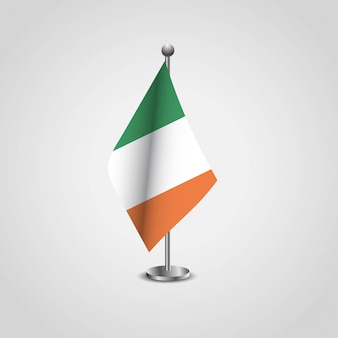 Ирландский флаг с творческим векторным дизайном