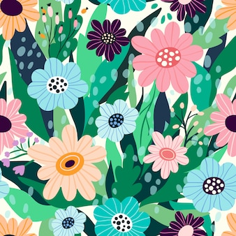 Бесшовный цветочный узор с рисованной цветами и листьями
