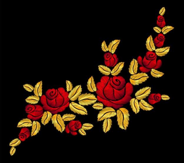 金色の刺繍の赤いバラ。ファッションパッチ装飾ステッカー。