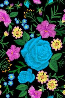花の青いバラ刺繍シームレスパターン。ビンテージのビクトリア朝の花飾りファッション繊維装飾。ステッチテクスチャベクトルイラスト