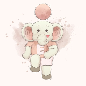 Милый слоненок играет в футбол