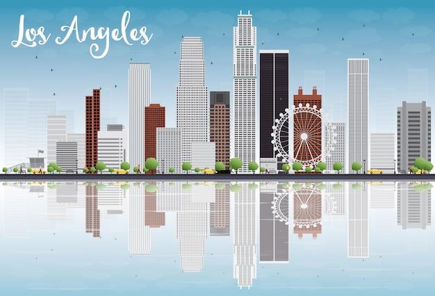 灰色の建物と青い空とロサンゼルスのスカイライン