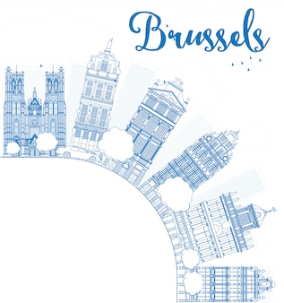 青い建物のアウトラインブリュッセルのスカイラインとコピースペース