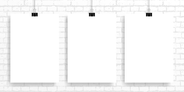 レンガの壁にポスターを設定