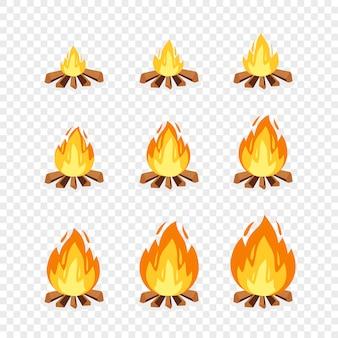 アニメーションのキャンプファイヤースプライトのセット。漫画イラストたき火燃焼フレーム。爆発、トーチ、炎、透明な背景にゲームデザインのキャンプファイヤー