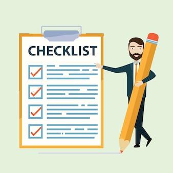 大きな完全なチェックリストで鉛筆を保持している実業家