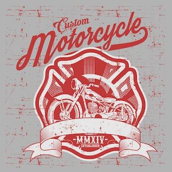 Мотоцикл. вид сбоку. ручной обращается классический чоппер велосипед в стиле гравировки.