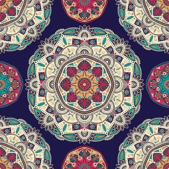 観賞用の花の民族エスニックマンダラとのシームレスなパターン