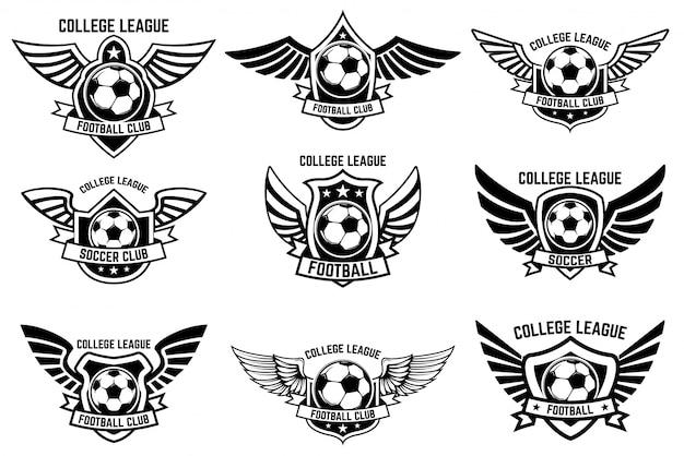 サッカーボールの翼のあるエンブレムのセットです。ロゴ、ラベル、エンブレム、記号の要素。図