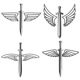 中世の剣と翼を持つエンブレムのセット。ロゴ、ラベル、記号の要素。図
