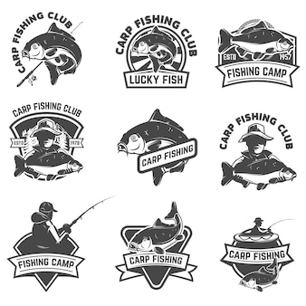 白い背景の上の鯉釣りラベルのセット。ロゴ、アルベル、エンブレム、記号の要素。図。
