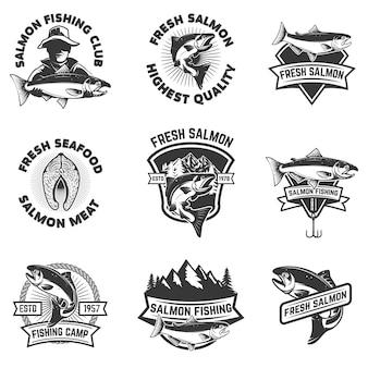 サーモン釣りのエンブレムのセットです。シーフード。 、ラベル、記号、ブランドマークの要素。図
