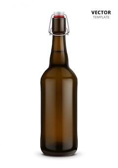 Изолированный макет пивной бутылки