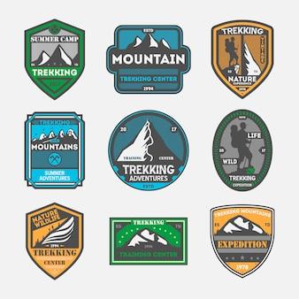 Треккинг экспедиция винтаж изолированных значок набор