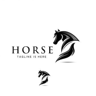 馬のバック、尻の眺め、背中の馬のロゴ