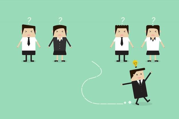 新しいアイデアでチームから離れて走っているビジネスマン