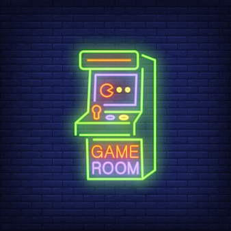 レンガの背景にゲームルームのレタリングとレトロスロットマシン。