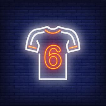 レンガの背景にプレーヤー番号とサッカーキット。ネオンスタイルのイラスト。