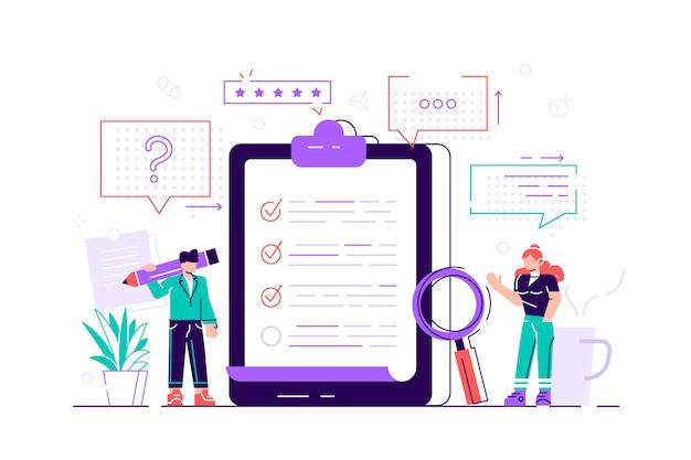 Обзорная иллюстрация. концепция плоских мини-персон с проверкой качества и отчетом об удовлетворении. отзывы клиентов или форма мнения. клиент отвечает взаимопониманию с профессиональной командой исследователей.