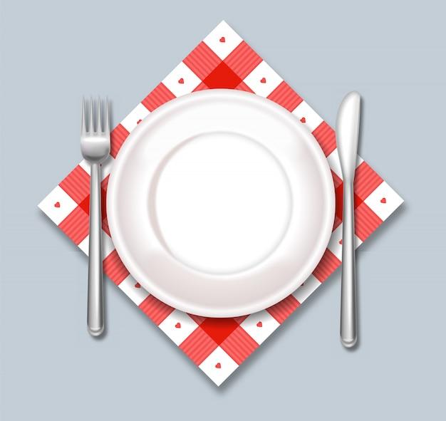 白いプレートディナー準備
